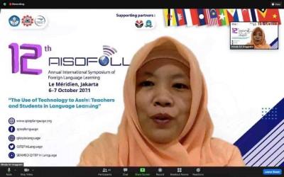 Hebat, Winda Jadi Pembicara Symposium Bahasa Internasional