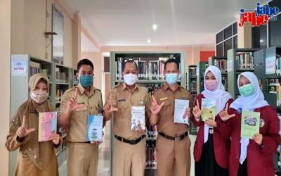 SMA Negeri 1 Manggar Serahkan Karya Literasi di Masa Pandemi ke Berbagai Instansi