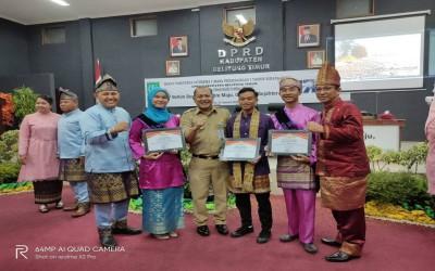 """Siswa Smansa Manggar Terima """"Sweet Appreciation"""" di HUT Ke-17 Belitung Timur"""